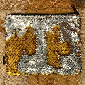 NWOT Gold/Silver Magic Sequin Zip Pouch